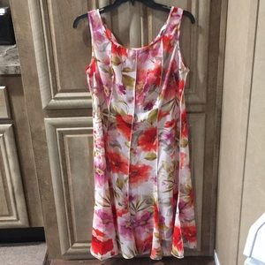 Pretty Pre-Owned Floral Midi Dress (Sandra Darren)